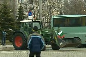 Трактори пред Парламента