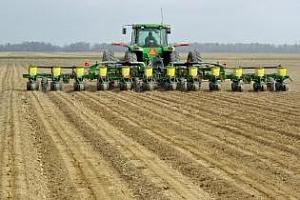 Дъждовете забавиха сеитбата на царевица и соя в САЩ