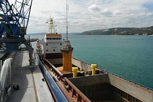 Отново тежка ситуация на Пристанище Варна. Износът на царевица започна да надделява.