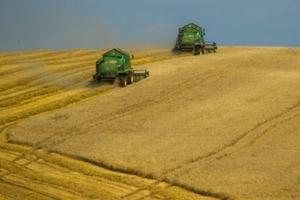Украйна ще премахва мораториума за продажба на земя на чужденци