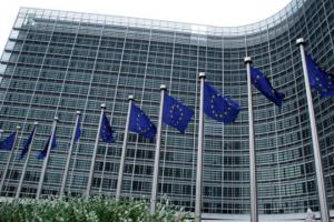 ЕК повишава реколтите от пшеница и ечемик в ЕС, но понижава царевица и рапица