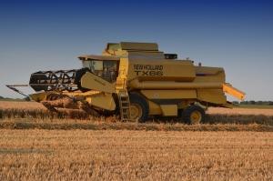 Забавени жътва на царевица и сеитба на пшеница във Франция